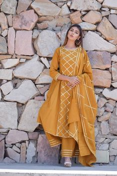Chokhi Bandhani Women's Cotton Kurta with Palazzo and Dupatta in Mustard Stylish Dresses For Girls, Stylish Dress Designs, Dress Neck Designs, Designs For Dresses, Kurti Neck Designs, Simple Dresses, Casual Dresses, Casual Wear, Trendy Outfits
