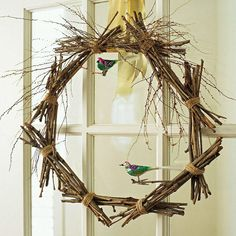 Twig Wreath with Birds 22 Easter and spring door decorations Stick Wreath, Twig Wreath, Fall Wreaths, Door Wreaths, Deco Originale, Fete Halloween, Spring Door, Bird Ornaments, Wreath Forms