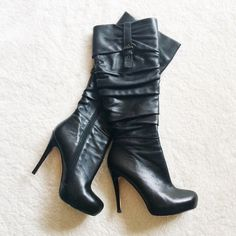 Black Boots (PRICE FIRM) These boots are in really good condition, but there are a couple scratches in the front (as shown above). They are perfect for the cold weather, and they look great with black leggings/tights!  ✅BUNDLE DISCOUNTS! No trades/paypal/other apps. Charles David Shoes