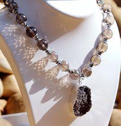 Onyx-Necklace-Persona-Statement-Smoky-Onyx-Stones-and-Druzy-Pendant-Necklace