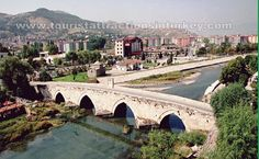 Yeşilırmak or Hıdırlık Bridge: Yeşilırmak Bridge is 700 years old. Yeşilırmak Bridge is an intersection connecting west roads from Amasya and Turhal to east and roads of Blacks Sea to Central Anatolia. Yeşilırmak Bridge has 151 m long and 7 m wide. www.touristattractionsinturkey.com/tokat-attractions-in-turkey/
