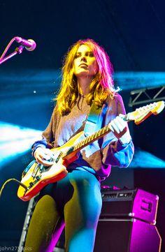 Bass, Women Of Rock, Guitar Girl, Female Guitarist, Women In Music, Music Aesthetic, Metal Girl, Girl Bands, Playing Guitar