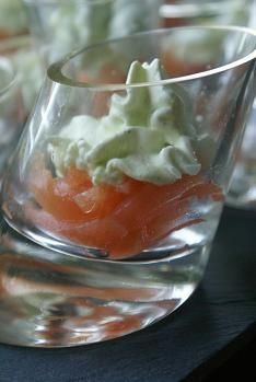 recette VERRINE DE SAUMON FUME ET SA CHANTILLY A L'ANETH