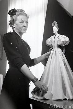 Théatre de la mode Paris 1945
