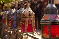 9 things to do for free in Marrakech: Cultural attractions, architectural wonders and the famous souks all await those visiting the Pink City of Morocco. Here are some great free things to do there Moroccan Bedroom, Moroccan Art, Moroccan Lanterns, Moroccan Design, Moroccan Style, Lantern Lamp, Metal Lanterns, Art Marocain, Marrakech Travel