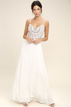 Elevate your vacay wardrobe with the Ascension Island White Embroidered Maxi Dress! Embroidery decorates the sweetheart bodice of this open back, maxi dress. White Dresses For Women, Little White Dresses, Dresses For Sale, Dresses Online, Taupe Maxi Dress, White Maxi Dresses, Long Dresses, Women's Dresses, Club Dresses