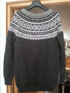 Mariusgenser Knitting Machine, Arts And Crafts, Patterns, Crochet, Long Sleeve, Projects, Sleeves, Sweaters, Christmas