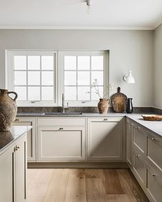 Beige Kitchen, Nordic Kitchen, Home Decor Kitchen, Kitchen Interior, New Kitchen, Modern Shaker Kitchen, Kitchen Corner, French Kitchen, Kitchen Furniture