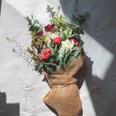 Projekt Blume (@projektblume) • Instagram photos and videos Burlap, Reusable Tote Bags, Videos, Instagram, Projects, Flowers, Hessian Fabric, Jute, Canvas