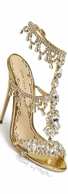 Wedding shoes gold heels bling 70 Ideas for 2019 Fancy Shoes, Pretty Shoes, Hot Shoes, Crazy Shoes, Beautiful Shoes, Me Too Shoes, High Heels Boots, Shoe Boots, Shoes Heels