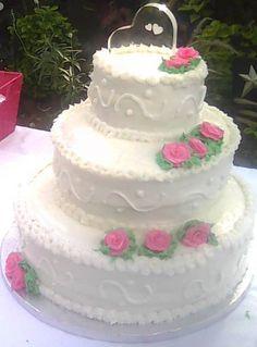 3 Tier vanilla Wedding cake (view 3)