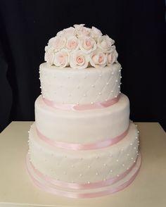 Pink & White weddingcake with Roses / Wit-Roze bruidstaart met Rozen