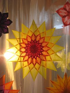 December ~ A star to welcome back the renewed Sun. More Tissue Paper Window Stars Mein Lieblingsstern Fun Crafts For Kids, Arts And Crafts, Paper Crafts, Origami, Summer Solstice Ritual, Waldorf Crafts, Bubble Wands, Collage Design, Paper Stars