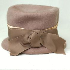 3b0d8eb6e69 Vintage 1940s Cloche Mohair Wool Hat Ladies Winter Taupe Mushroom Ribbon  and Bow Brim Bucket Hat Period Costume Union Label Henry Pollack
