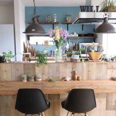 「足場板 キッチン 腰壁」の画像検索結果 New Kitchen, Kitchen Dining, Blue Rooms, Apartment Design, Home Office, Kitchen Remodel, New Homes, Home And Garden, Table Decorations