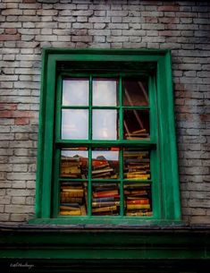 """teachingliteracy: """"Hogwarts School Books Sold Here (by Little Hand Images) """" I Love Books, Good Books, Friends Of The Library, You Say Goodbye, Computer Books, Old Computers, Book Reader, Say Hello, Book Lovers"""