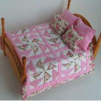 1:12th Scale Miniature Pink & White Handmade Double Bed Quilt & Pillows