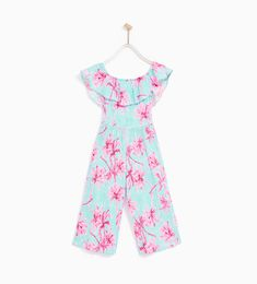 Discover the new ZARA collection online. Toddler Outfits, Kids Outfits, Girls Playsuit, Mode Kawaii, Baby Girl Pajamas, Fashion Catalogue, Zara Kids, Printed Jumpsuit, Baby Girl Dresses