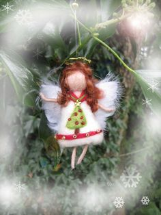 Needle Felted Wool  angel in white red green and by LivelySheep, €14.00