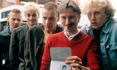 Jonny Lee Miller, Ewan McGregor, and Robert Carlyle as Simon 'Sick Boy' Williamson, Mark 'Rent Boy' Renton, and Francis 'Franco' Begbie in Trainspotting. 90s Movies, Movie Tv, Stanley Kubrick, Trainspotting 2, Irvine Welsh, Sick Boy, Jonny Lee Miller, Fritz Lang, Robert Carlyle