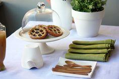 Anima Green! Posate 100% in bambu, piatti e bicchieri in fibra di canna di zucchero e tovaglioli 100% lino. GustoEco.com