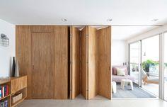 Cet appartement a été conçu par les architectes de Metamoorfose Studio pour un jeune couple à la recherche d'espaces flexibles. Pour répondre à cette envie