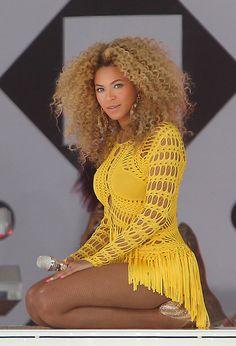 Pinterest: @ndeyepins | Beyonce Knowles Long Curls - Beyonce Knowles Looks - StyleBistro