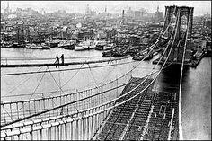 A Bridge is The Bridge! Brooklyn (NYC) with more than 100 years with these great one!  Un Puente is El Puente! Brooklyn (Ciudad de Nueva York) con mas de 100 años con este grande!