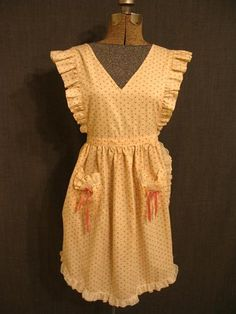 09022086 Apron Pinafore pink cotton with roses.JPG