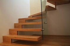 Cantilevered Stair - Design is in the Details - Studio MM architect