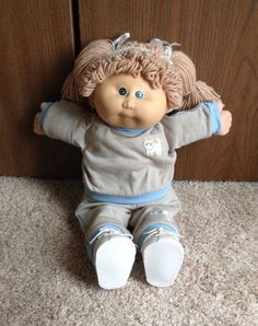Vintage Cabbage Patch Kids Girl Doll Light Brown Hair Green Eyes EUC Coleco 80s #DollswithClothingAccessories