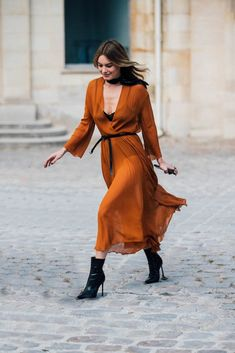 Paris Fashion Week ss 18: Best street style outfits!
