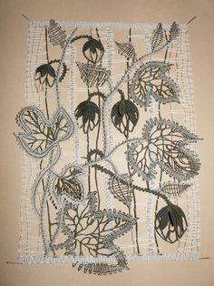Internationale damesvergadering in Vamberk 2010 - kant - album op Tomcat Bobbin Lace Patterns, Crochet Flower Patterns, Crochet Flowers, Bobbin Lacemaking, Lace Art, Lace Jewelry, Needle Lace, Lace Making, Fabric Manipulation