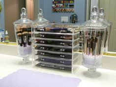 Dust Free Make-Up Brush holder...love this idea!!!  the acrylic drawer is from amazon. It is actually a jewelry drawer