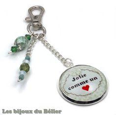 """Porte-clés ou bijou de sac avec message personnalisé """"Jolie comme un coeur"""" : Porte clés par les-bijoux-du-belier"""