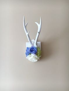 Flower wall antlers decor, Real deer antlers, Mothers day gift / Nursery decor, Nursery art, Wall art, Wall hanging, Taxidermy