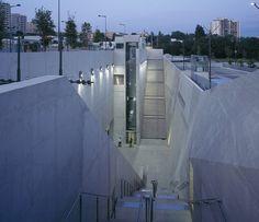 La Fourragère Marseille - Corrine Vezzoni Les stations de métro les plus belles du monde . . . #architectesparis #architectesmarseille #stationsmetro #metro #palmares #top5 #lafourragere #corrinevezzoni #marseille #architecture #architectureporn #archdaily #deezen #pin