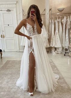 wedding decorations 28 Lace Wedding Dresses from eleganza sposa Mode decorations Dresses eleganza Formelle kleider LACE sposa wedding Simple Lace Wedding Dress, Wedding Dresses With Straps, Lace Mermaid Wedding Dress, Sweetheart Wedding Dress, Wedding Dress Trends, Modest Wedding Dresses, Mermaid Dresses, Bridal Dresses, Tulle Wedding