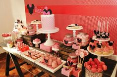 Vintage Minnie Mouse Party via Kara's Party Ideas | Kara'sPartyIdeas.com #Vintage #MickeyMouse #Party #Idea #Supplies (4)