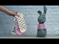 Diy Sock Toys, Sock Crafts, Sewing Crafts, Sewing Stuffed Animals, Stuffed Animal Patterns, How To Make Socks, Sock Bunny, Sock Snowman, Sock Dolls