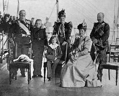 s0fixa:  The Portuguese royal family, in 1900.  From left to right: King Carlos I, Royal Prince Royal D. Luís Felipe, the Queen Mother D. Maria Pia, Prince D. Manuel (later King Manuel II), Queen D. Amélia and Infante D. Afonso, Carlos' brother.