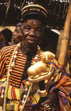 Explore courregesg's photos on Flickr. courregesg has uploaded 5541 photos to Flickr. African Culture, African History, Warrior King, African Royalty, Head Jewelry, African Trade Beads, Orisha, People Of The World, Ivory Coast