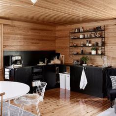 Lake Cabins, Log Homes, Modern Decor, Bungalow, Cottage, Houses, Green, Furniture, Home Decor