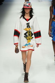 b9c3cf446 202 Best Moschino images in 2019 | Fall winter, Fashion Show, Spring ...