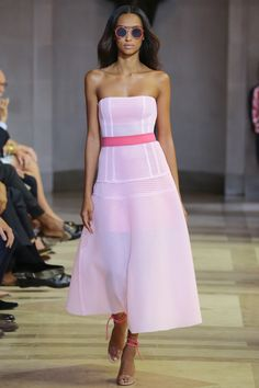 Carolina Herrera - New York Fashion Week / Spring 2016 Model: Anais Mali