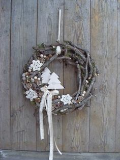 Use materials from nature to make one of these 8 models of Christmas wreaths! - Crafts - Tips and Crafts - Berthe Nic. - Use materials from nature to make one of these 8 models of Christmas wreaths! – Crafts – Tips a - Christmas Makes, Noel Christmas, Rustic Christmas, Winter Christmas, All Things Christmas, Beautiful Christmas, Christmas Crafts, Christmas Ornaments, Holiday Wreaths