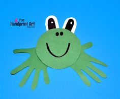 Make this Recycled CD Frog Handprint Craft in less than 10 minutes! Here is an easy to make recycled cd frog craft that can be made in less than 10 minutes! Kids will love making this adorable handprint frog. Frog Crafts Preschool, Ladybug Crafts, Bird Crafts, Daycare Crafts, Preschool Ideas, Toddler Art, Toddler Crafts, Crafts For Kids, Cd Diy