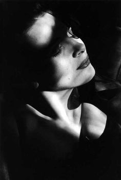 """Juliette Binoche photographed by Edouard Boubat-uliette Binoche, Binoche is the daughter a sculptor, was only 23 when she first attracted international film critics with The Unbearable Lightness of Being (1988). Roger Ebert wrote that she was """"almost ethereal in her beauty and innocence"""". More recently, she has made The English Patient (1996), for which she won an Oscar for 'Best supporting actress' and Chocolat (2000)."""