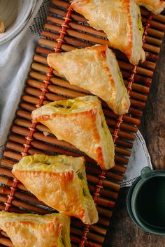 Chinese Curry Puffs found at dim sum and Chinese bakeries. These beef curry puffs have a perfectly flaky crispness with a deliciously savory curry filling. Indian Food Recipes, Asian Recipes, Beef Recipes, Cooking Recipes, Savory Pastry, Puff Pastry Recipes, Flaky Pastry, Beef Curry, Malaysian Food