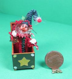 Doll House Miniature 1:12 Lyn Trennary's Christmas Jack In The Box. Ooak Igma